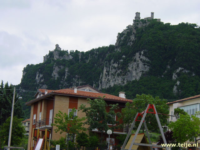Travelogue italy and croatia summer 2004 the caves of for Flights to san marino italy