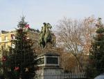 Equestrian statue, Paris