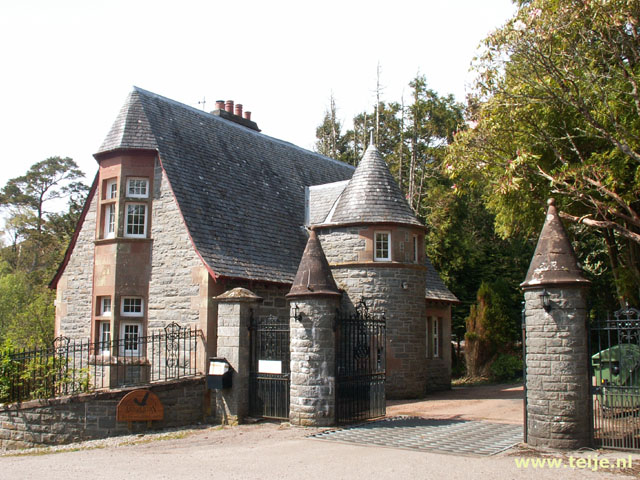 Gate Lodge van Glenborrodale Castle